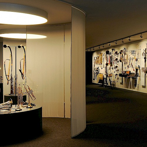 View of the permanent exhibition. At the left the instruments that you may try to play.